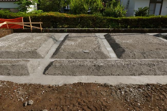 ベタ基礎の根伐り形状